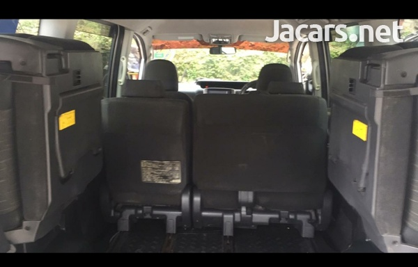 Toyota voxy very clean ...mint condition-4