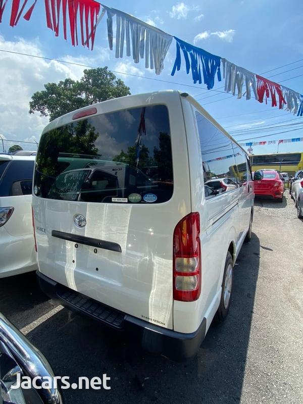 Toyota Hiace 2,5L 2014-5