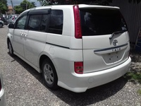 Toyota Isis 1,5L 2011