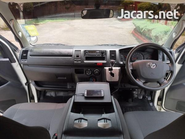 Toyota Hiace 2,5L 2016-8