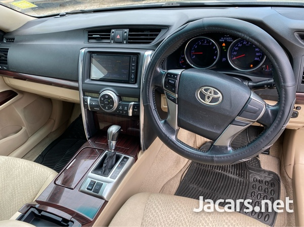Toyota Mark X 2,5L 2010-7