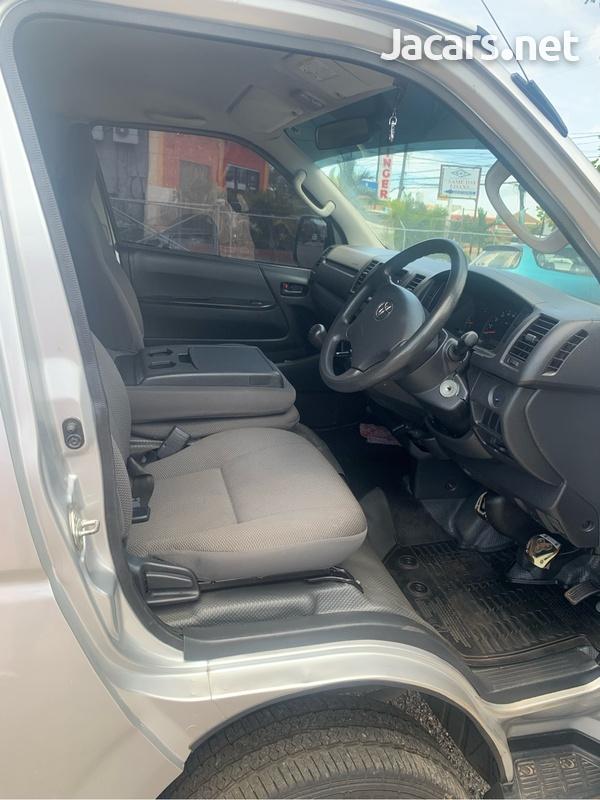 Toyota Hiace 3,0L 2017-5