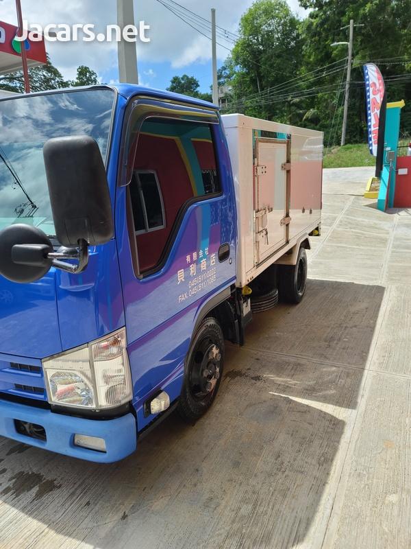 Isuzu Box Body Truck 3,5L 2012-2