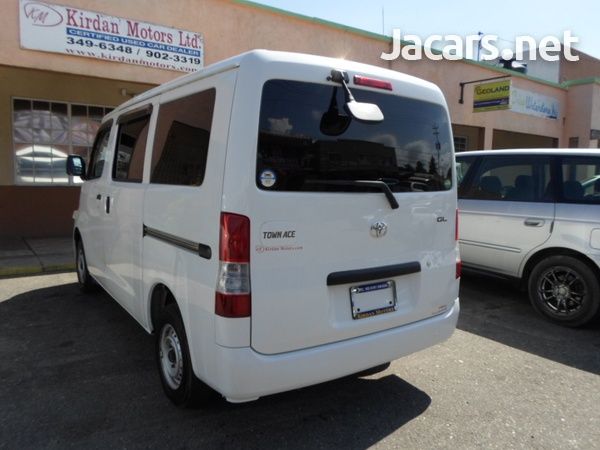 Toyota Town Ace 1,5L 2013-1