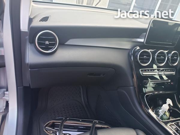 Mercedes-Benz GLC-Class 2,5L 2017-9