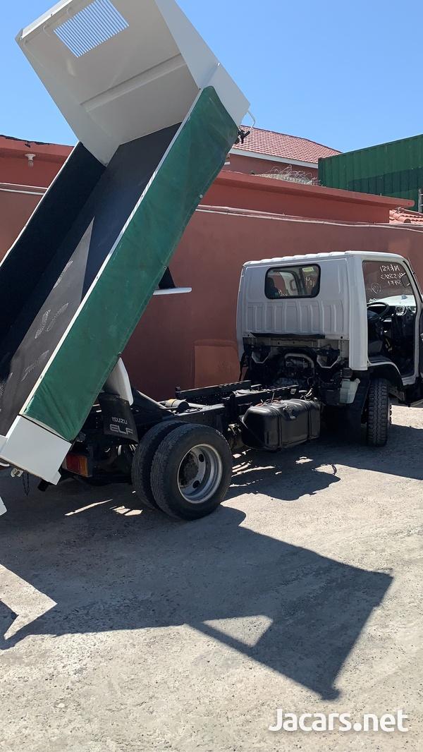 2006 Isuzu Dump Truck-8