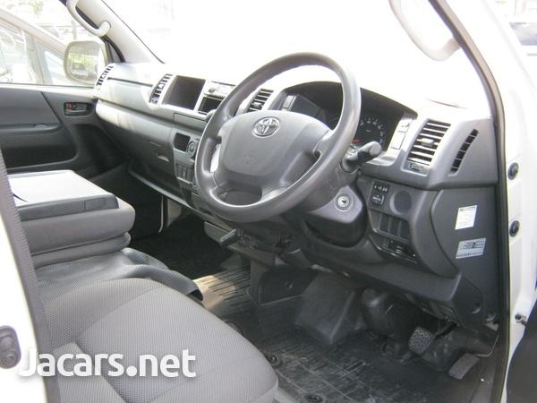 Toyota Hiace Bus 2,0L 2014-5