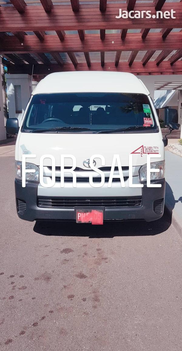 Toyota Hiace-5