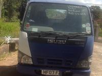 2007 Isuzu nkr truck