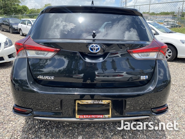 Toyota AURIS 1,8L 2016-8