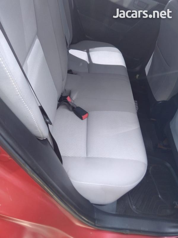 Toyota Corolla 1,8L 2015-7