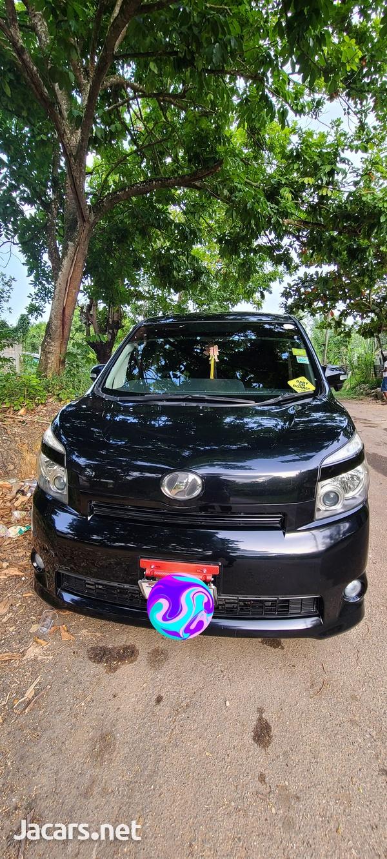 Toyota Voxy 2,0L 2009-2