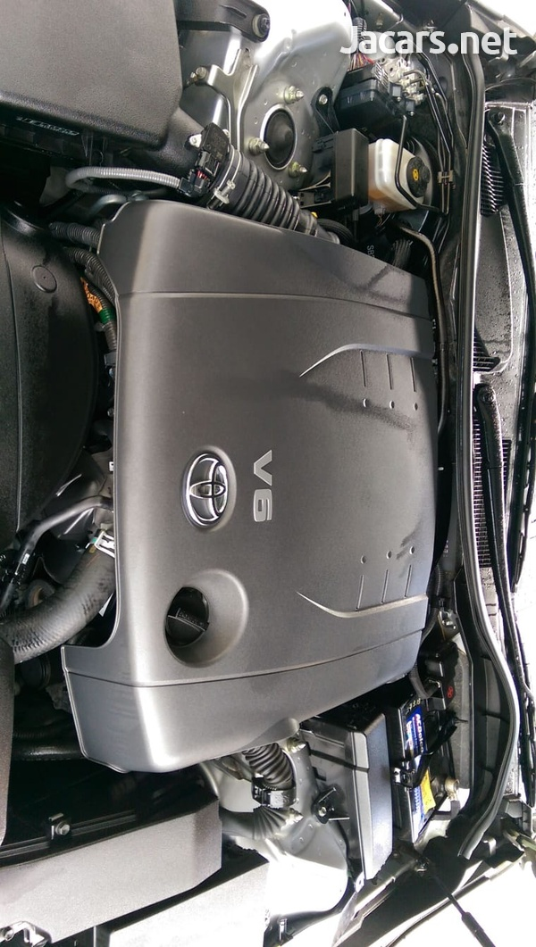 Toyota Mark X 2,5L 2010-8