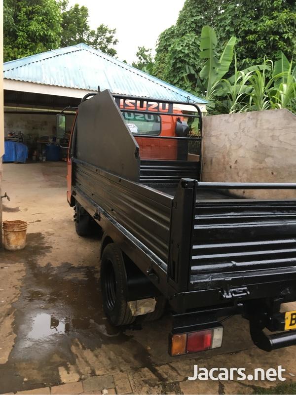 2004 Isuzu NKR Tipper Truck-7