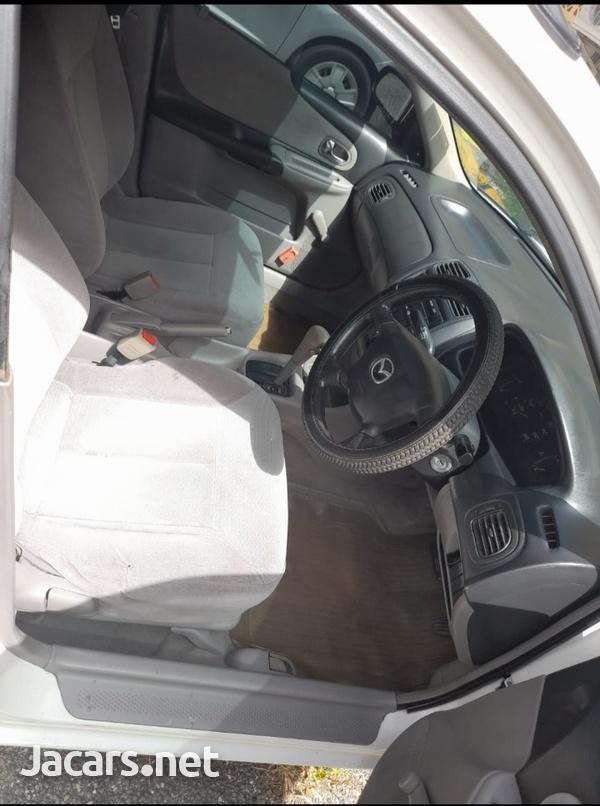 Mazda Familia 1,3L 2001-9