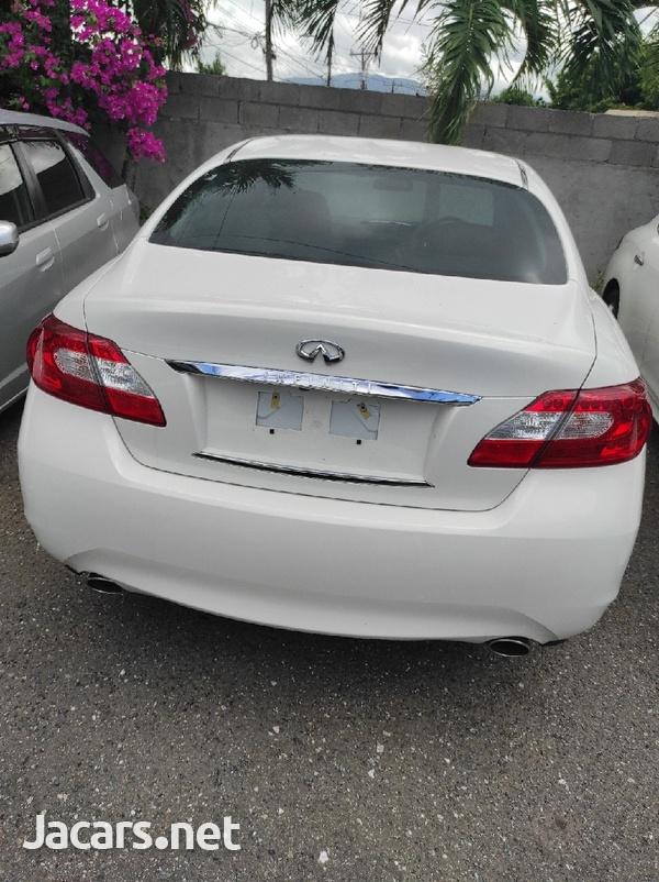 Nissan Fuga 2,5L 2013-5