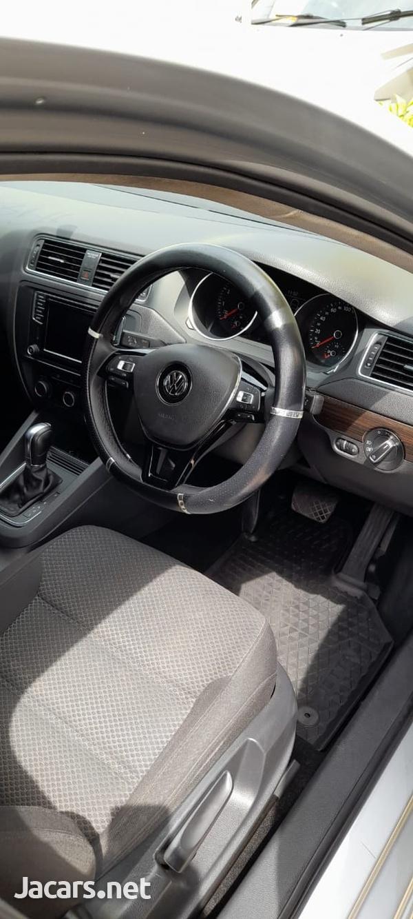 Volkswagen Jetta 1,4L 2016-8
