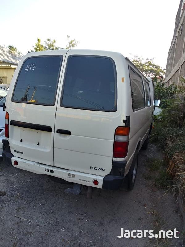 Toyota Van 3,0L 2015-5