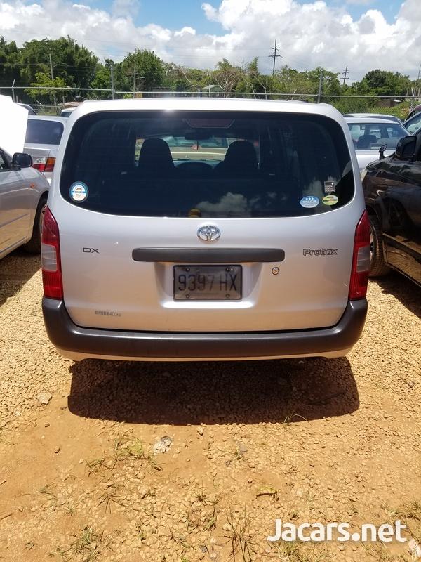 Toyota Probox 1,8L 2012-8