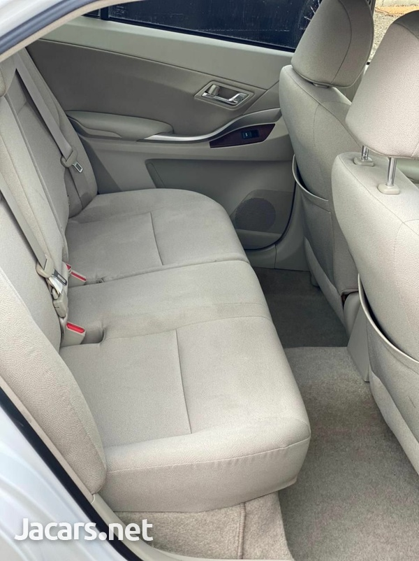 Toyota Allion 1,8L 2012-5