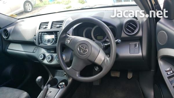Toyota RAV4 1,6L 2013-4