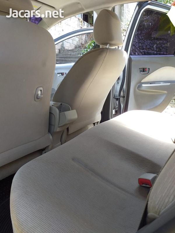 Toyota Belta 1,3L 2010-5