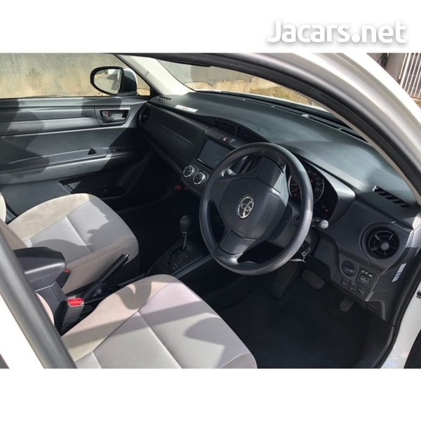 Toyota Axio 1,3L 2016-7