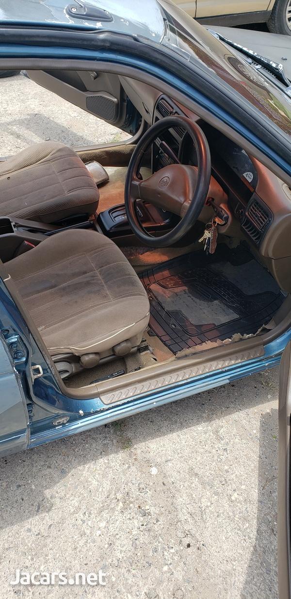 Nissan B14 2,0L 1994-4