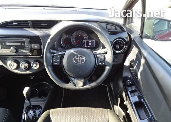 Toyota Vitz 1,3L 2019-6