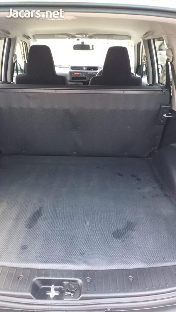 Toyota Probox 1,5L 2016-4