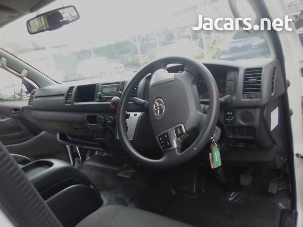 2016 Toyota Hiace Commuter-5