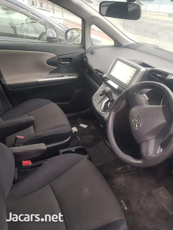 Toyota Wish 1,4L 2010-4