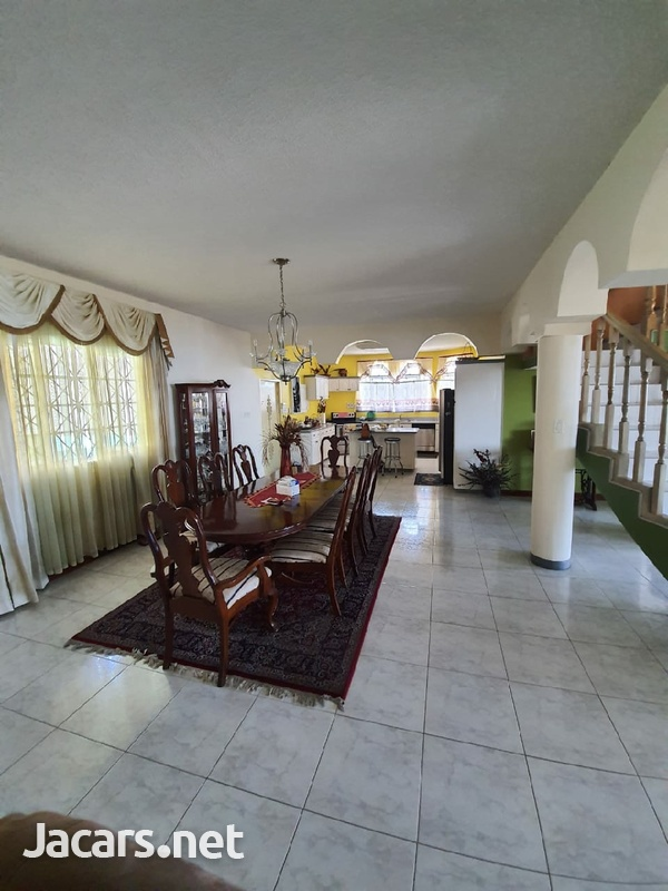 One beautiful 6 bedrooms and 7 bathrooms house at Red Hills-11