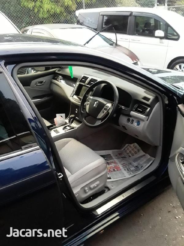 Toyota Crown 2,0L 2013-4