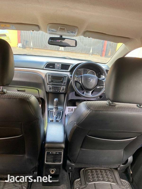 Suzuki Ciaz 1,4L 2015-5