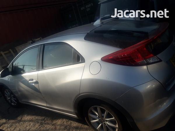Honda Civic 1,3L 2013-4