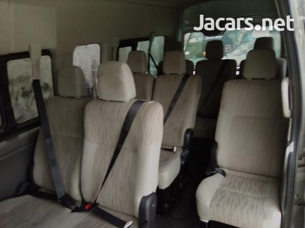 2013 Nissan Caravan-6