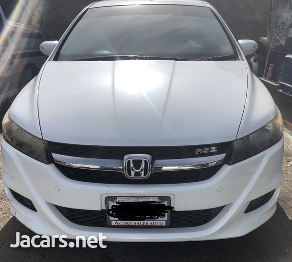 Honda Stream 2,0L 2013-4