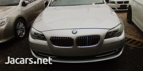 BMW 5-Series 3,0L 2011-6