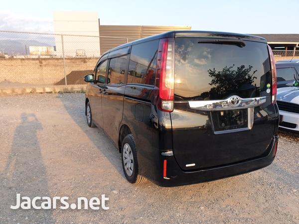 2014 Toyota Noah-4