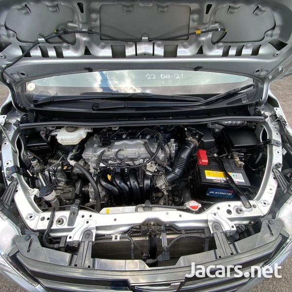 Toyota Noah 2,0L 2016-11