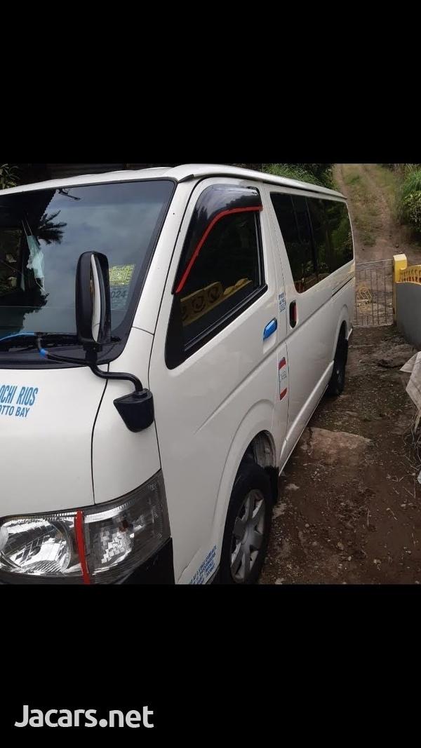 Toyota Hiace mini bus 2011-2
