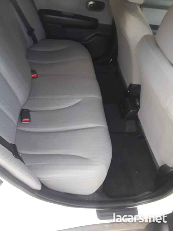 Nissan Tiida 1,8L 2012-6