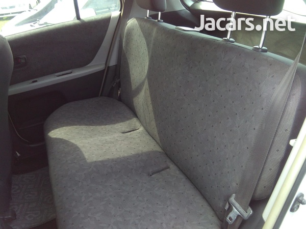 Toyota Vitz 1,3L 2008-4