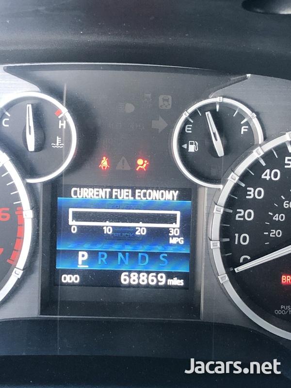 Toyota Tundra 5,7L 2014-6