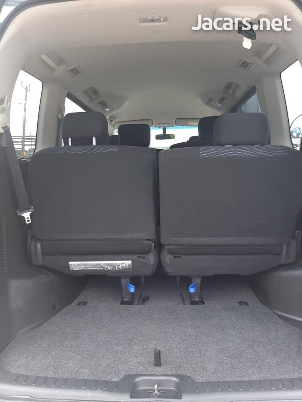 Nissan Serena 1,8L 2015-6
