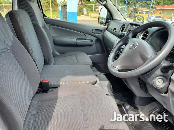 Nissan Caravan 2,0L 2012-11
