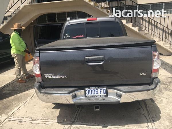 Toyota Tacoma 4,0L 2015-7