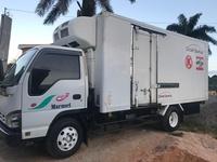 2005 Isuzu truck