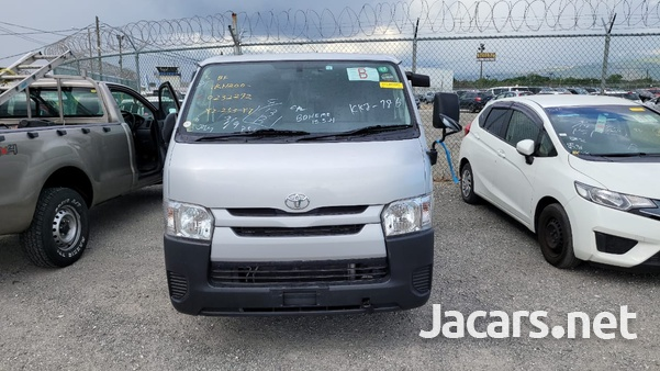 Toyota Hiace 2,5L 2016-4
